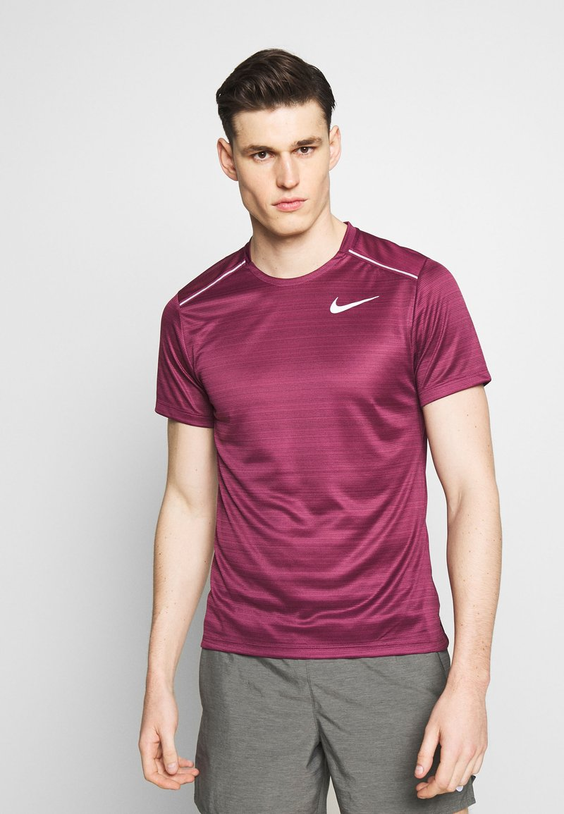 Nike Performance - DRY MILER - Print T-shirt - villain red/silver