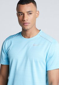 Nike Performance - DRY MILER - Camiseta básica - blue gaze/silver - 3