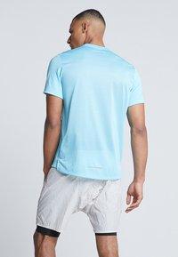 Nike Performance - DRY MILER - Camiseta básica - blue gaze/silver - 2