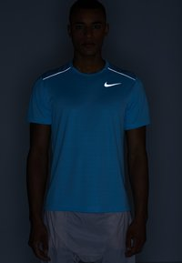 Nike Performance - DRY MILER - Camiseta básica - blue gaze/silver - 4