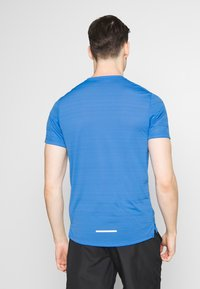 Nike Performance - DRY MILER - Print T-shirt - pacific blue/heather/silver - 2