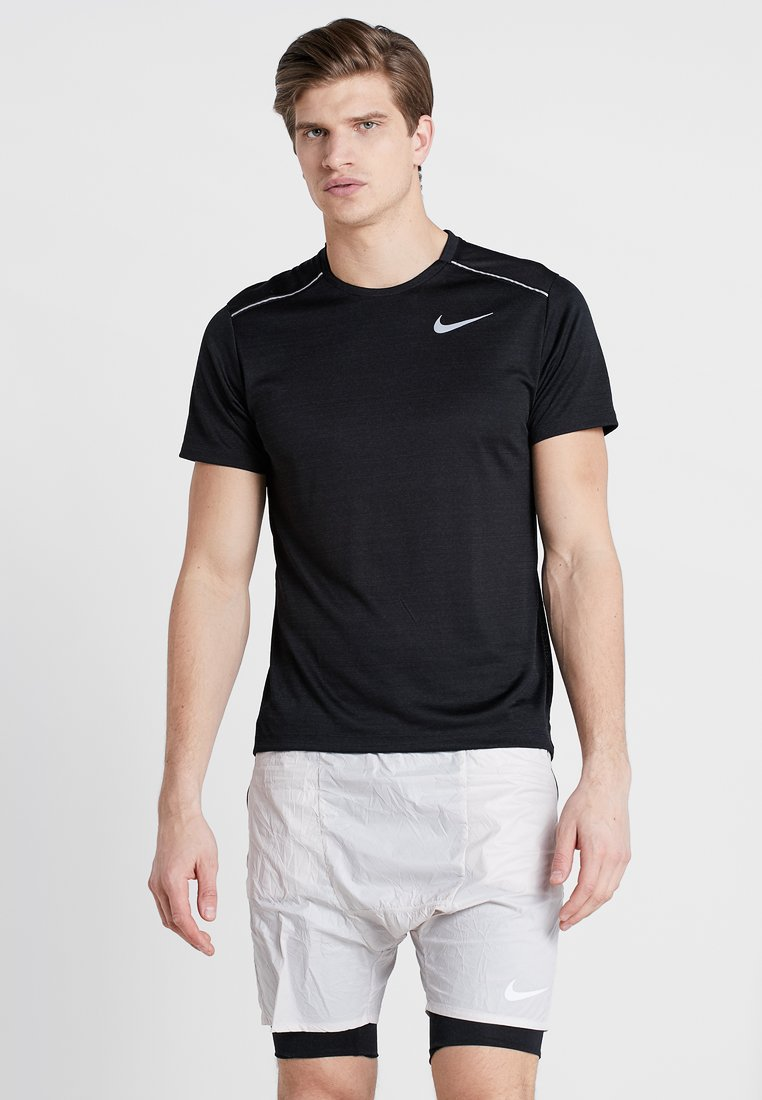 Nike Performance - DRY MILER - T-shirt con stampa - black/silver