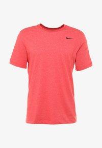 Nike Performance - DRY TEE CREW SOLID - Jednoduché triko - light university red heather/black - 4