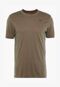 Nike Performance - DRY TEE CREW SOLID - Camiseta básica - cargo khaki/team orange/black - 4