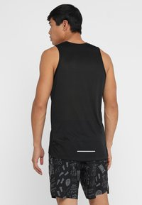 Nike Performance - DRY MILER TANK - Funktionströja - black/black/reflective silver - 2