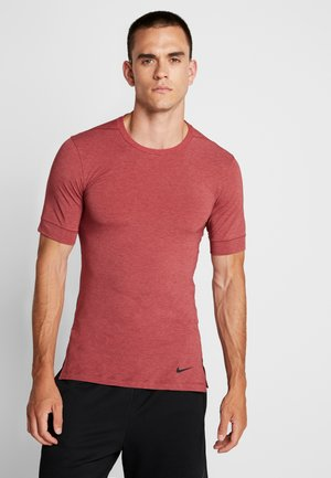 DRY TOP SS TRANSCEND YOGA - T-shirt basic - team red/light redwood/black