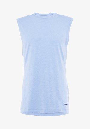 TRANSCEND - T-shirt de sport - indigo fog/light armory blue/black