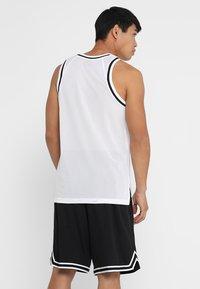 Nike Performance - DRY CLASSIC - Funkční triko - white/black - 2