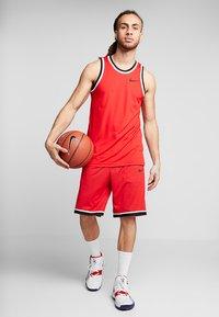 Nike Performance - CLASSIC - Träningsshorts - university red/black - 1