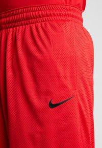 Nike Performance - CLASSIC - Träningsshorts - university red/black - 4
