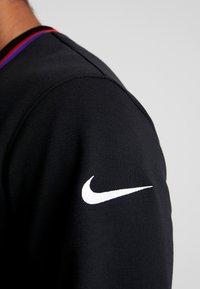 Nike Performance - DRY HOOP FLY - Camiseta de deporte - black/white - 3