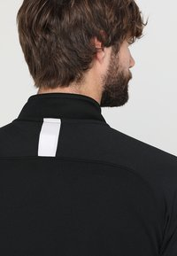 Nike Performance - DRY  - Camiseta de manga larga - black/white - 3