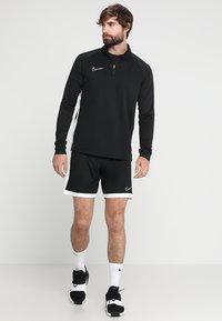 Nike Performance - DRY  - Camiseta de manga larga - black/white - 1