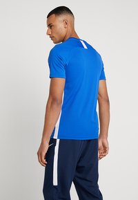 Nike Performance - DRY ACDMY  - Camiseta estampada - game royal/white - 2
