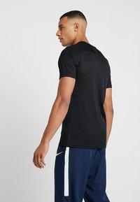 Nike Performance - DRY ACDMY  - Camiseta estampada - black - 2