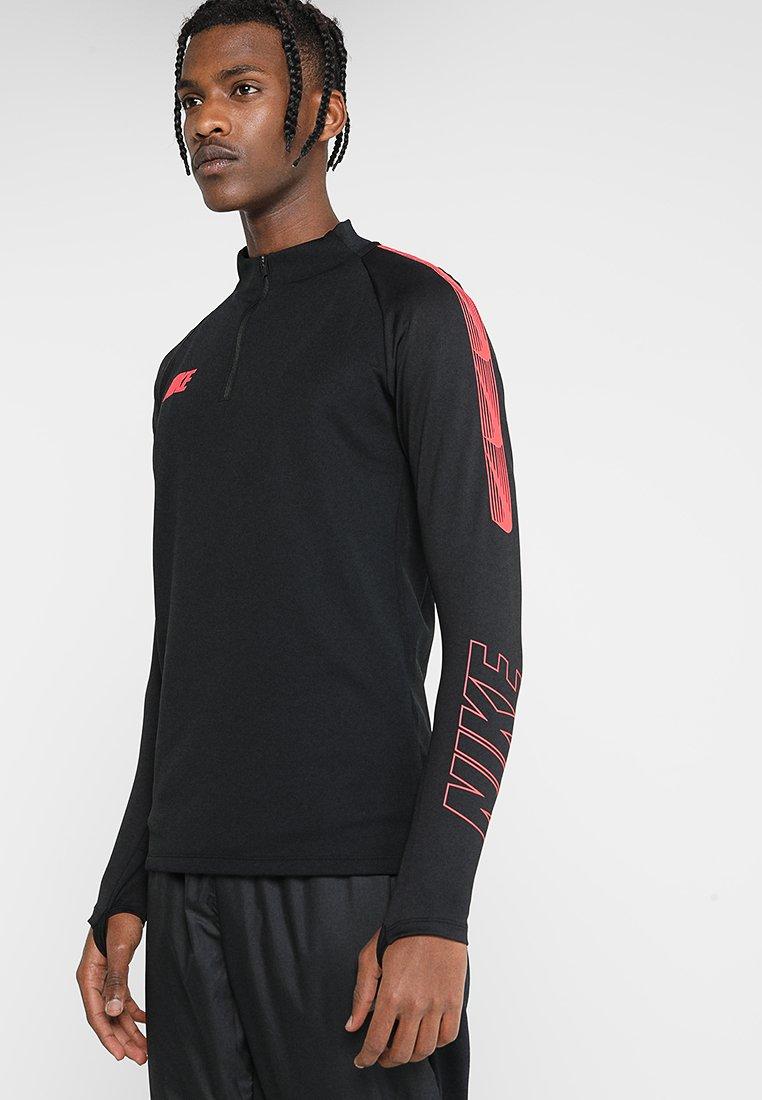 Nike Performance - DRY DRIL - Camiseta de deporte - black/ember glow