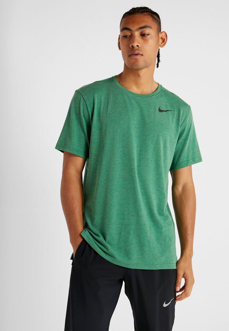 Nike Performance - HYPERDRY - Jednoduché triko - pine