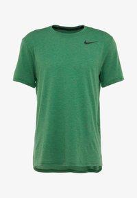 Nike Performance - HYPERDRY - Jednoduché triko - pine - 3
