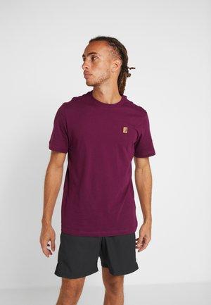 COURT TEE - Camiseta básica - bordeaux