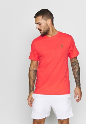 COURT TEE - Camiseta básica - ember glow