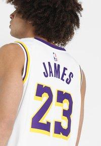 Nike Performance - NBA LA LAKERS LEBRON JAMES SWINGMAN - Equipación de clubes - white - 5