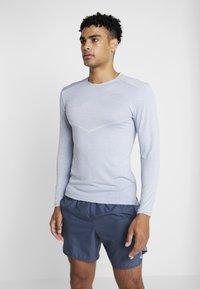 Nike Performance - ULTRA - Sports shirt - indigo fog/football grey - 0