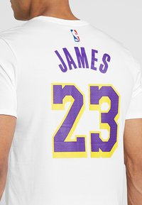 Nike Performance - NBA LA LAKERS LEBRON JAMES NAME NUMBER TEE - Klubbkläder - white - 5