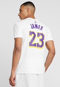 Nike Performance - NBA LA LAKERS LEBRON JAMES NAME NUMBER TEE - Klubbkläder - white - 2