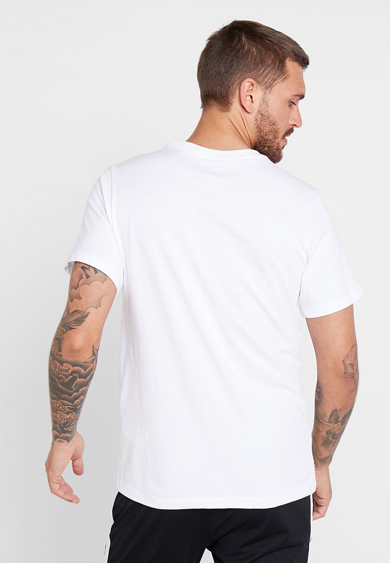 Nike Core Tee Supporter Performance White As Rom MatchArticle De nwOP80k