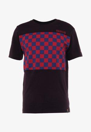 FC BARCELONA TEE TRAVEL CREST - T-shirt con stampa - burgundy ash