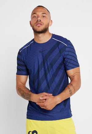 TECH COOL  - T-shirt med print - hyper royal/black