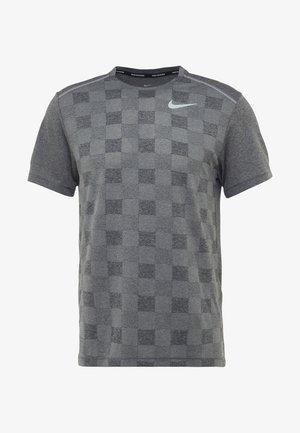 MILER - T-shirt imprimé - black/particle grey/reflective silver