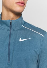 Nike Performance - Funktionsshirt - thunderstorm/cerulean/reflective silver - 5