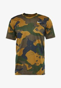Nike Performance - DRY TEE CAMO  - T-shirt imprimé - wheat - 4