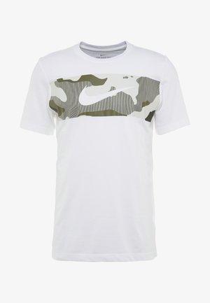 DRY TEE CAMO BLOCK - Camiseta estampada - white