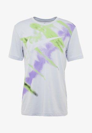 DRY NATURAL HIGH - T-shirt med print - lilac