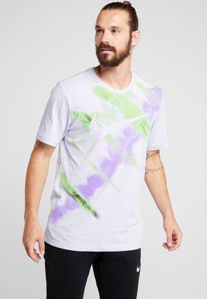 DRY NATURAL HIGH - Print T-shirt - lilac