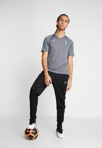 Nike Performance - TOTTENHAM HOTSPURS - Pelipaita - flint grey/dark grey/blue fury - 1