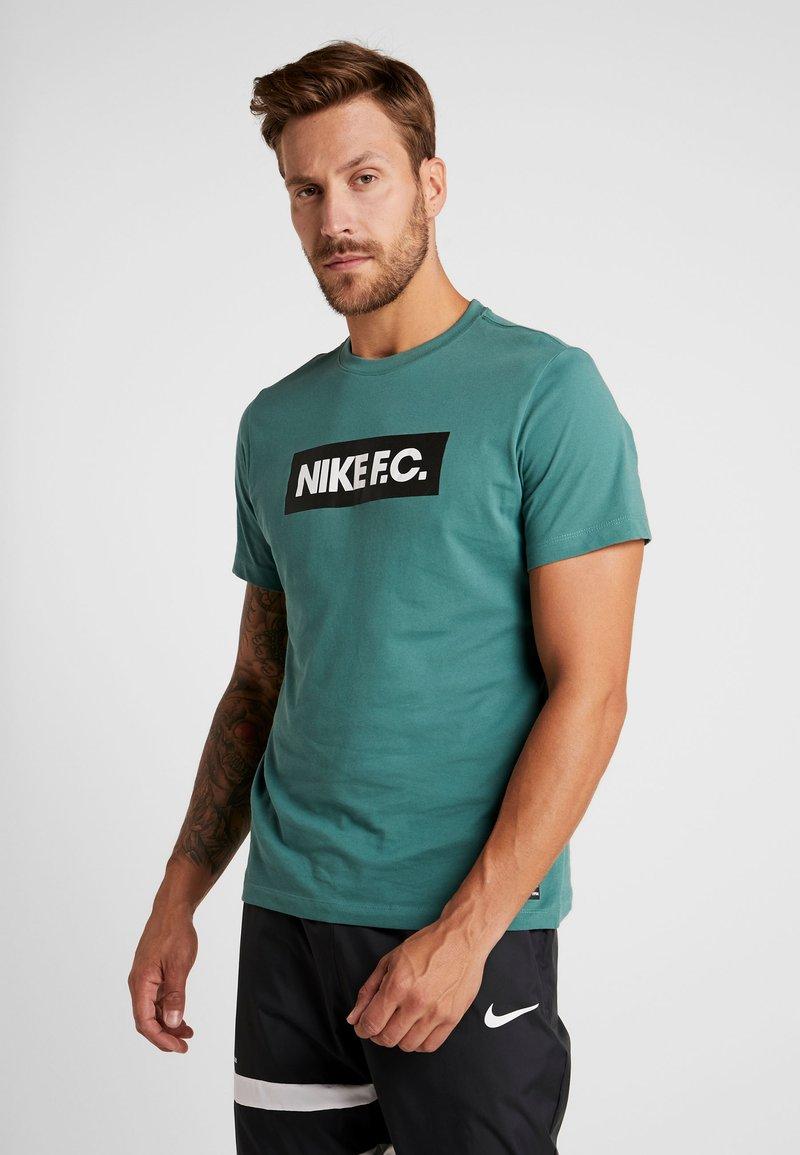 Nike Performance - DRY TEE SEASONAL BLOCK - T-Shirt print - bicoastal/black