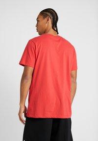 Nike Performance - NBA CHICAGO BULLS LOGO TEE - Club wear - university red - 2