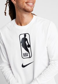 Nike Performance - NBA LONG SLEEVE - Funktionsshirt - white - 4