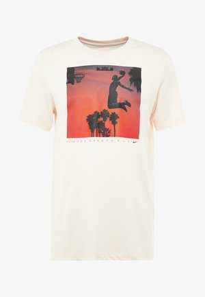 LEBRON JAMES DRY TEE FLY - T-shirt med print - guava ice
