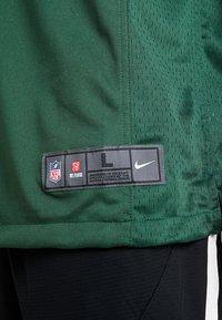 Nike Performance - NFL AARON RODGERS GREEN BAY PACKERS - T-shirt imprimé - fir - 5