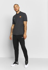 Nike Performance - FC BARCELONA  - Koszulka polo - smoke grey/cabana - 1