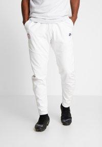 Nike Performance - PARIS ST GERMAIN PANT  - Träningsbyxor - white/midnight navy - 0