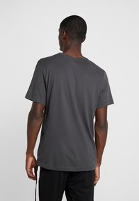 Nike Performance - CFC DRY TEE GROUND  - Equipación de clubes - anthracite - 2