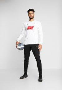 Nike Performance - PARIS ST GERMAIN DRY MATCH - Tekninen urheilupaita - birch heather - 1