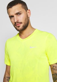 Nike Performance - DRY  - T-shirt - bas - opti yellow/white - 4