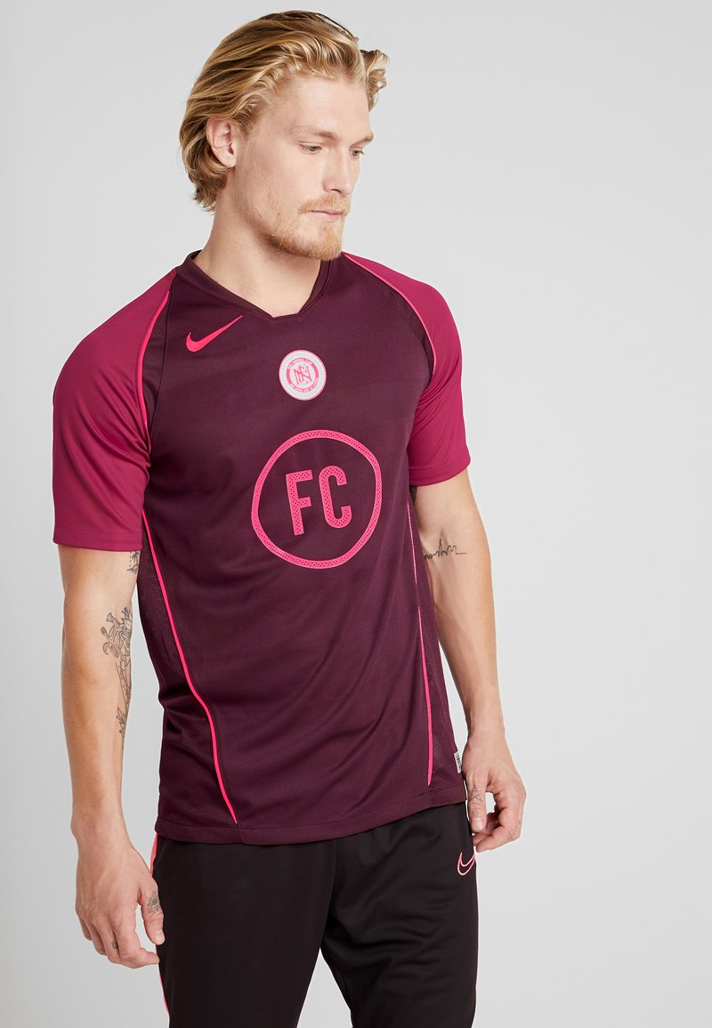 Nike Performance - FC HOME - Print T-shirt - night maroon/noble red/racer pink