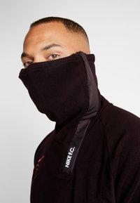 Nike Performance - Fleece jumper - burgundy ash/night maroon/racer pink - 4